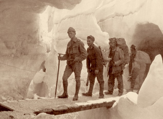 Italian front, First World War, inside the glacier of Marmolada