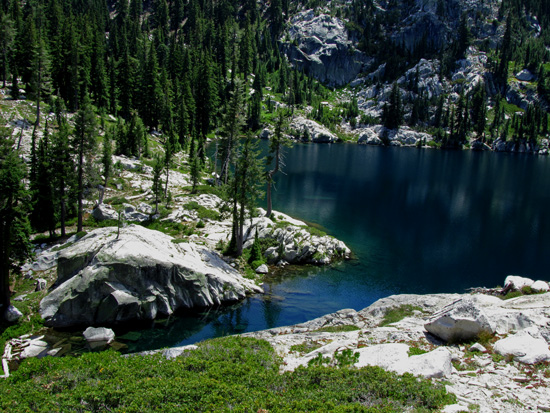 little-bear-lake-trinity-alps